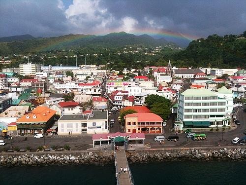 Roseau, pintoresco puerto en medio del Caribe